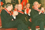 George Bush Photo - Years After the Fall of the Berlin Wall President Vaclav Havel Honored George Bush Michael Gorbatschow and Helmut Kohl
