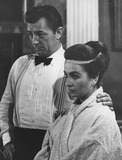 Robert Mitchum Photo - Jean Simmons with Robert mitchumphoto by cp-globe Photos Inc