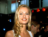Karen Mulder Photo - Karen Mulder Photo Byjean FititjianimapressGlobe Photos Inc