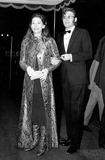 Peter O Toole Photo - Peter Otoole and His Wife at the Premiere of Murphys War at the Odeon in Londons Leicester Square 1131971 Globe Photos Inc Peterotooleretro
