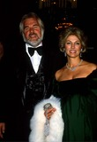 Kenny Rogers Photo - Kenny Rogers with His Wife Marianne Gordon 1980 11935 Photo by Phil Roach-ipol-Globe Photos Inc