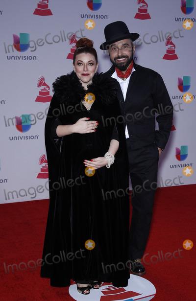 Photo - 2015 Latin Grammy Awards-Arrivals