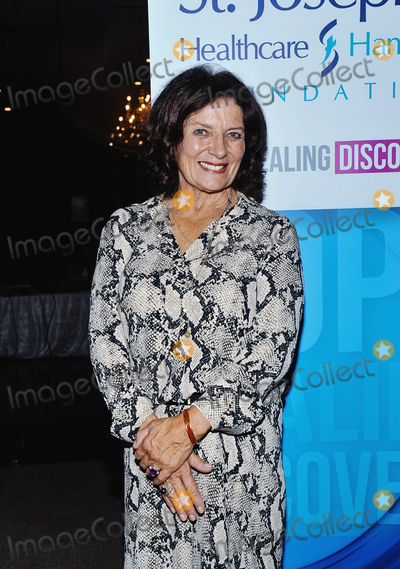 Photos From Margaret Trudeau Debuts One-Woman Show At Second City In Chicago