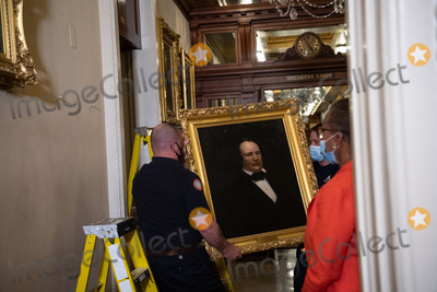 Photo - Removal of Paintings from East Staircase of the Speakers lobby in the US Capitol
