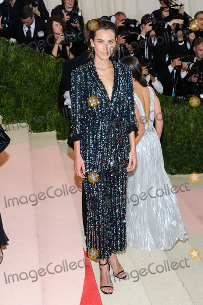 Photo - Metropolitan Museum of Art Costume Institute Gala Manus x Machina Fashion in the Age of Technology