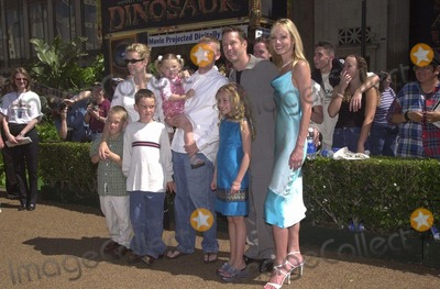 Ashley Vashon Photo -  Rick Schroder and family with DB Sweeney Ashley Vashon and Hayden Panettiere at the premiere of Disneys DINOSAUR in Hollywood 05-13-00