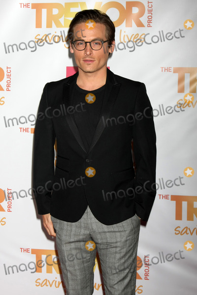 Photos and Pictures - Kevin Williamson, George ...
