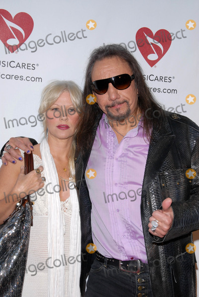 Photo - 6th Annual Musicares MAP Fund Bevefit Concert