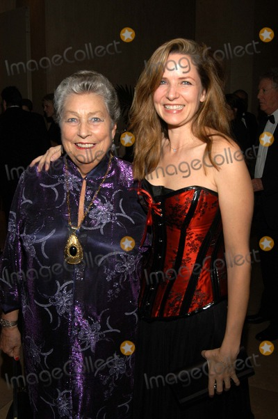Ann Coates Photo - Anne Coates and daughter Ema Hickox at the 2003 Ace Eddie Awards Beverly Hilton Hotel Beverly Hills CA 02-23-03