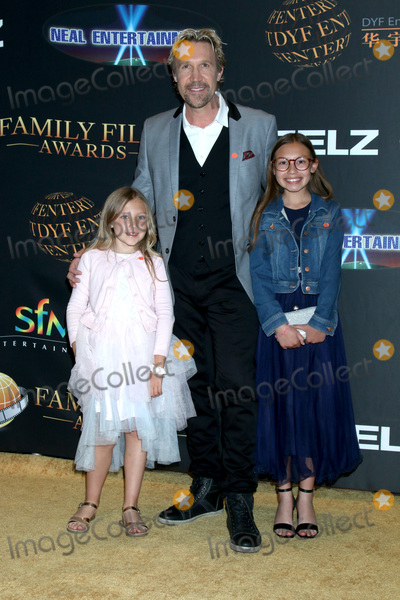 Photo - LOS ANGELES - MAR 24  Ocean White David A R White Emerson White at the 14th Family Film Awards at the Universal Hilton Hotel on March 24 2021 in Universal City CA