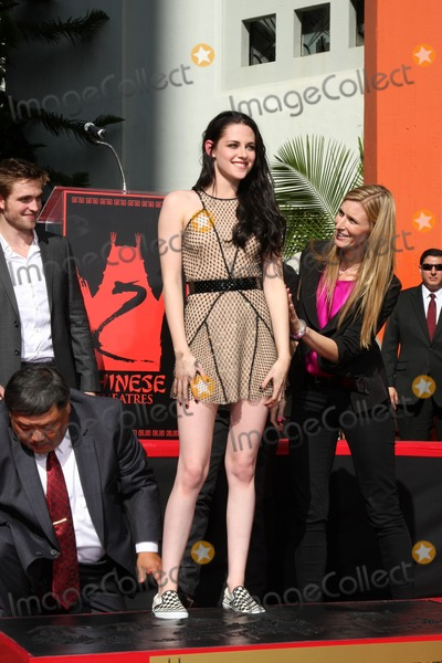 Photo - Handprint and Footprint Ceremony for the Twilight Saga Actors Pattinson Stewart and Lautner