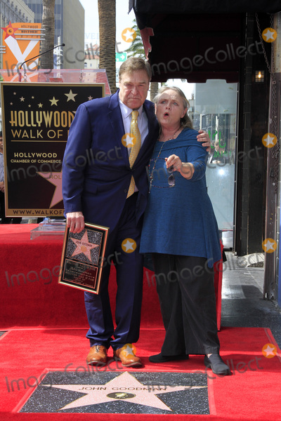 John Goodman,Tess Harper Photo - John Goodman Walk of Fame Star Ceremony