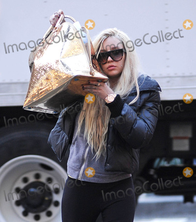 Photo - Amanda Bynes out and about