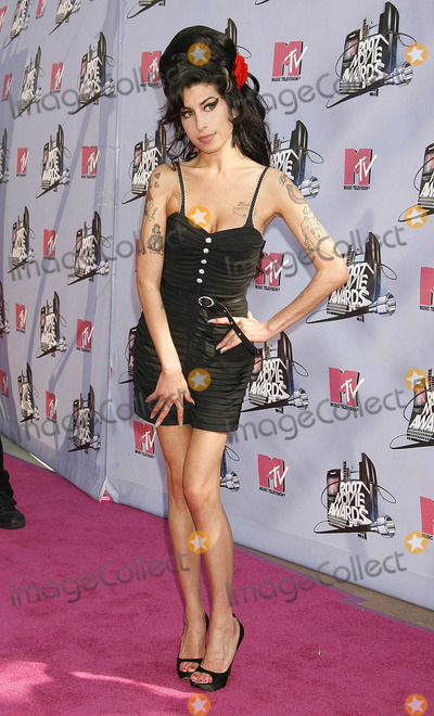 Photo - Photo by NPXstarmaxinccom20076307Amy Winehouse at the MTV Movie Awards(Universal City CA)Not for syndication in France