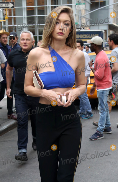 Photo - Photo by KGC-146starmaxinccomSTAR MAX2016ALL RIGHTS RESERVEDTelephoneFax (212) 995-119651216Gigi Hadid is seen in New York City
