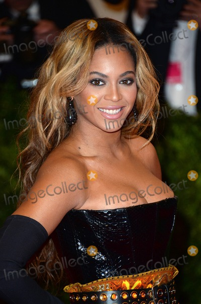 Photo - Photo by DPAADstarmaxinccom2013STAR MAXALL RIGHTS RESERVEDTelephoneFax (212) 995-11965613Beyonce Knowles at the PUNK Chaos To Couture Costume Institute Gala(New York New York)US syndication only