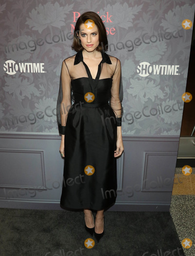 Allison Williams Photo - Photo by gotpapstarmaxinccomSTAR MAX2018ALL RIGHTS RESERVEDTelephoneFax (212) 995-119642518Allison Williams at the premiere of Showtimes Patrick Melrose in Los Angeles CA