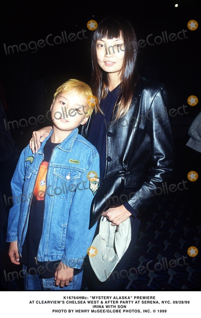 Alaska  Photo -  Mystery Alaska Premiere at Clearviews Chelsea West  After Partyat Serena NYC 092899 Irina W Son Photo by Henry McgeeGlobe Photos Inc