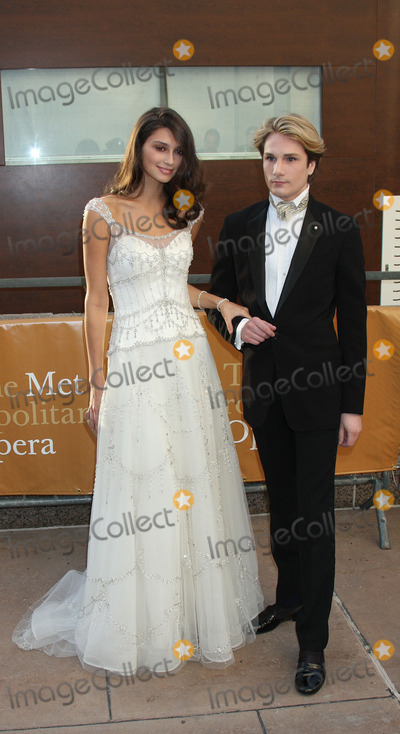 Anna Schilling Photo - Anna Schilling and Austin Scarlett at the Metropolitan Opera opening night with a performance of Tosca at the Lincoln Center for the Performing Arts on September 21 2009 in New York City
