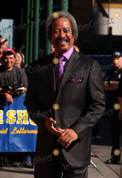 Allen Toussaint Photo - NEW YORK SEPTEMBER 7 2005    Allen Toussaint arrives for an appearance on The Late Show with David Letterman