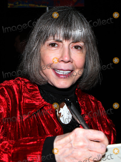 Ann Rice Photo - October 13 2012 New York CityAnne Rice at the 2012 New York Comic Con at the Javits Center on October 13 2012 in New York City