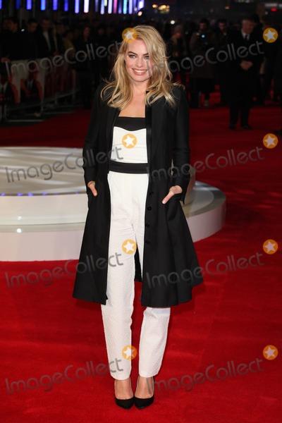 Margot Robbie Photo - Margot Robbie arriving for the Focus Premiere at Vue West End London 11022015 Picture by Alexandra Glen  Featureflash