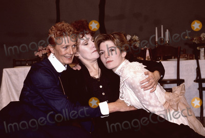 Photo - Vanessa Redgrave Lynn Redgrave and Jemma Redgrave