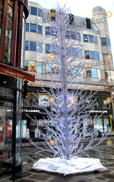 Photo - London - Stores Christmas Decorations 2020