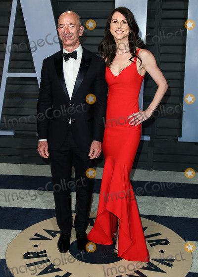 Photos From (FILE) Amazon CEO Jeff Bezos and wife MacKenzie to divorce