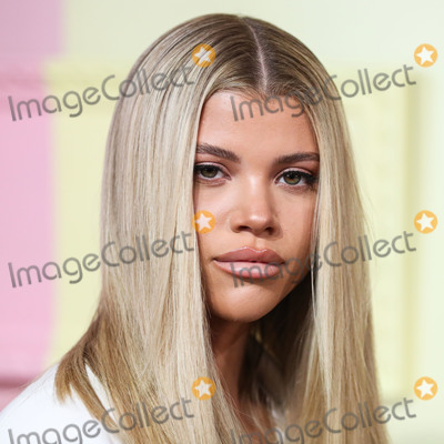 Alice  Olivia Photo - MANHATTAN NEW YORK CITY NEW YORK USA - SEPTEMBER 09 Sofia Richie arrives at alice  olivia By Stacey Bendet during New York Fashion Week The Shows held at ROOT Studios on September 9 2019 in Manhattan New York City New York United States (Photo by Xavier CollinImage Press Agency)
