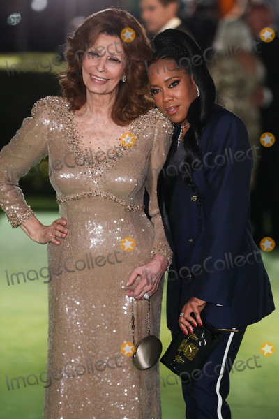 Photo - LOS ANGELES CALIFORNIA USA - SEPTEMBER 25 Actresses Sophia Loren and Regina King arrive at the Academy Museum of Motion Pictures Opening Gala held at the Academy Museum of Motion Pictures on September 25 2021 in Los Angeles California United States (Photo by Xavier CollinImage Press Agency)