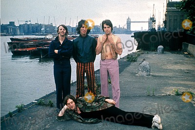 Photo - the Beatles Photo Ronald Fitzgibbons-pt-Globe Photos Inc the Beatles