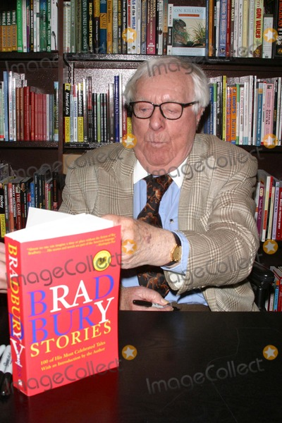 Photos And Pictures Book Store Appearance By Ray Bradbury And Book