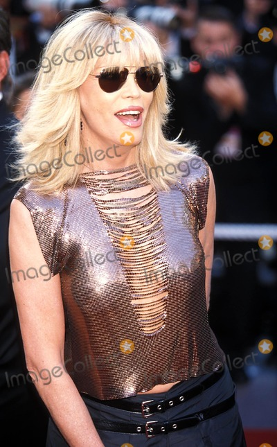 Amanda Lear Photo - 2004 Cannes Film Festival Photo by Roger HarveyGlobe Photosinc Amanda Lear