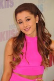 Ariana Grande Photo 3