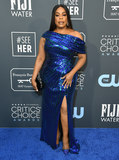 Niecy Nash Photo - 12 January 2020 - Santa Monica California - Niecy Nash 25th Annual Criticis Choice Awards - Arrivals held at Barker Hangar Photo Credit Birdie ThompsonAdMedia