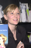 Anne Heche Photo - Anne Heche signs copies of her new book Call Me Crazy at Book Soup West Hollywood 11-17-01
