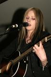 Avril Lavigne Photo - Avril Lavigne at the Glendale Galleria as part of the Avril Lavigne Mall Tour Glendale CA 04-12-04