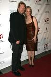 Matthew Carnahan Photo - Matthew Carnahan and Helen Huntat the premiere screening of the FX original drama series Dirt Paramount Theatre Los Angeles CA 12-09-06