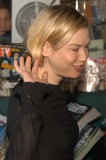 Renee Zellweger Photo - Renee Zellweger at an in-store book signing for The Lord Of The Rings A Visual Companion at Book Soup West Hollywood CA 01-16-03