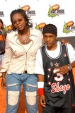 Bow Wow Photo - Lil Bow Wow and mom at the Nickleodeon 16th Annual Kids Choice Awards 2003 Arrivals Barker Hanger Santa Monica CA 04-12-03