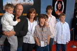 Amanda Pays Photo - Corbin Bernsen Amanda Pays sons Oliver Henry Angus and Finley at the premiere od Disneys Holes at the El Capitan Theater Hollywood CA 04-11-03