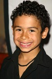 Noah Gray-Cabey Photo 3