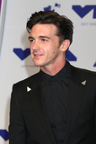 Drake Bell Photo - LOS ANGELES - AUG 27  Drake Bell at the MTV Video Music Awards 2017 at The Forum on August 27 2017 in Inglewood CA