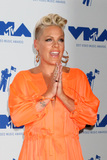 Alecia Beth Moore Photo 3