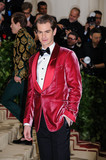 Andrew Garfield Photo - Photo by ESBPstarmaxinccomSTAR MAX2018ALL RIGHTS RESERVEDTelephoneFax (212) 995-11965718Andrew Garfield at the 2018 Costume Institute Benefit Gala celebrating the opening of Heavenly Bodies Fashion and the Catholic Imagination(The Metropolitan Museum of Art NYC)