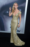 Annabelle Wallis Photo - Photo by Dennis Van TinestarmaxinccomSTAR MAX2017ALL RIGHTS RESERVEDTelephoneFax (212) 995-11966617Annabelle Wallis at The Mummy New York Fan Event in New York City