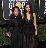 Ashley Judd Photo - Photo by GalaxystarmaxinccomSTAR MAXCopyright 2018ALL RIGHTS RESERVEDTelephoneFax (212) 995-11961718Salma Hayek and Ashley Judd at the 75th Annual Golden Globe Awards(Beverly Hills CA)s