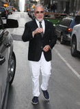 Emilio Estefan Photo - Photo by KGC-146starmaxinccomSTAR MAX2016ALL RIGHTS RESERVEDTelephoneFax (212) 995-119642516Emilio Estefan is seen in New York City
