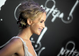 Jennifer Lawrence Photo - Photo by Dennis Van TinestarmaxinccomSTAR MAX2017ALL RIGHTS RESERVEDTelephoneFax (212) 995-119691317Jennifer Lawrence at the premiere of Mother in New York City